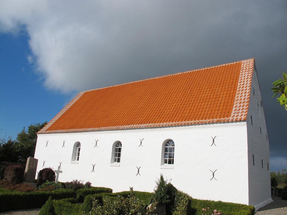 Nyt tag på Asdal Kirke